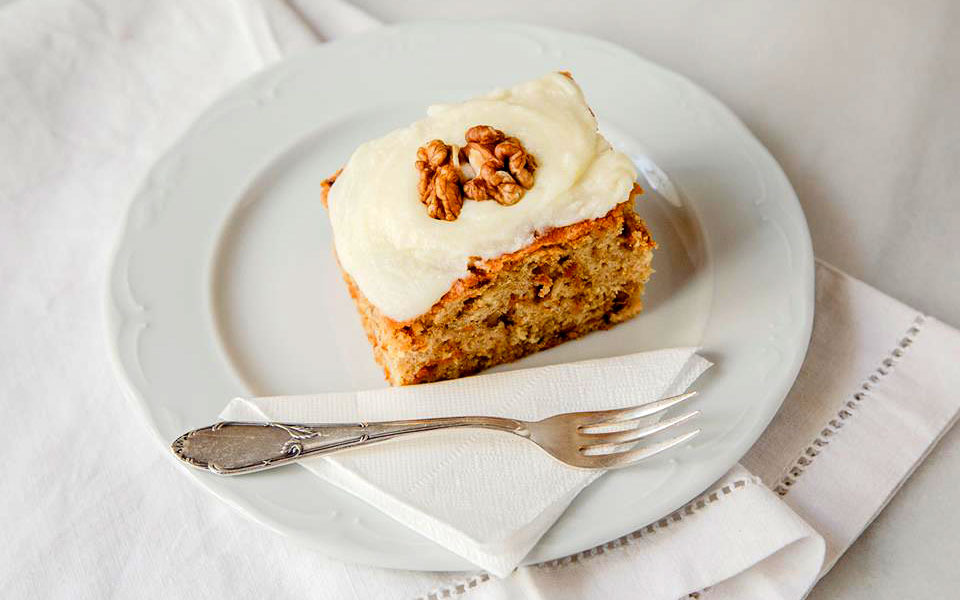 Carrot and nuts cake